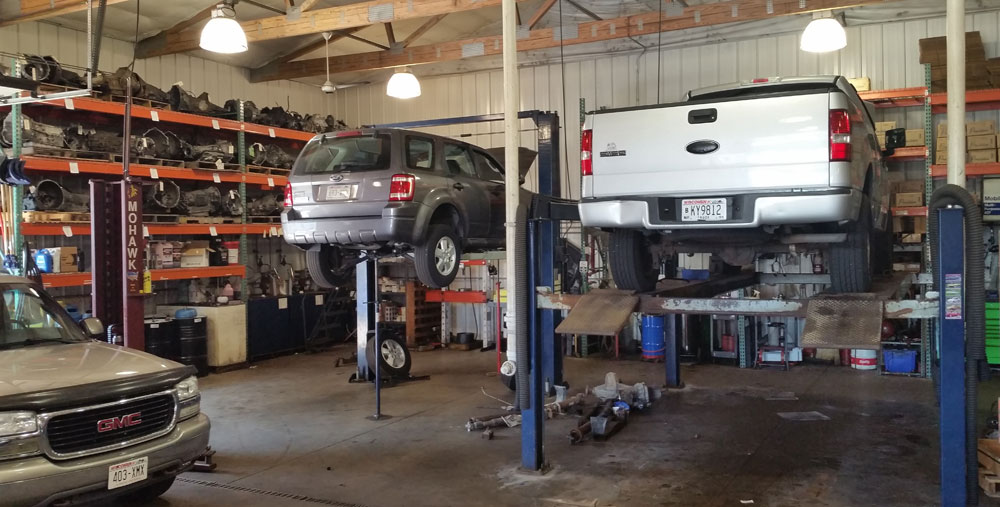 Automatic Transmission Design Vehicle Service Center Image